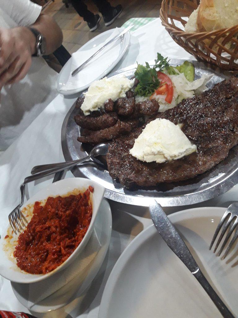 belgrad yemekleri balkan köftesi